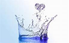quanti bicchieri d acqua al giorno quanta acqua bere al giorno tabelle e indicazioni idee