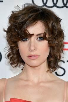 kurzhaarfrisuren krauses haar 18 easy curly hairstyles how to style medium or