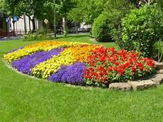 giardino fiorito gioco il verde urbano