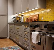 cabinet kitchen lighting with premium diffusion