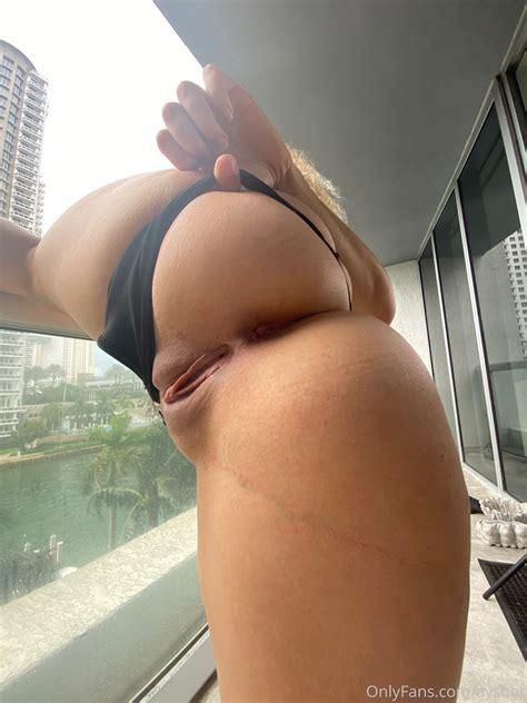 Gorgeous Asian Nude