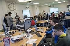 Physics Classes A Hands On Approach To Learning Physics Uconn Today