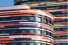 City Lights Palastic Cladding More Than Just A Pretty Fa 231 Ade Buildinggreen