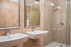 mosaico per bagno doccia piastrelle bagno soluzioni moderne a basso costo