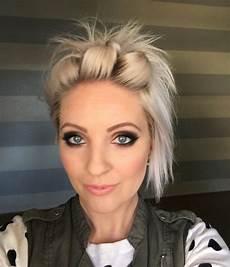 kurzhaarfrisuren stylen easy hair tutorial hair styles easy
