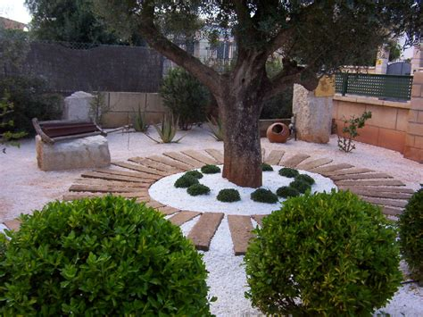 jardines con gravilla foto jard 237 n con gravilla y traviesas de jardineria galvez