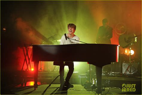 charlie puth korea concert charlie puth was inspired by alicia keys for his don t