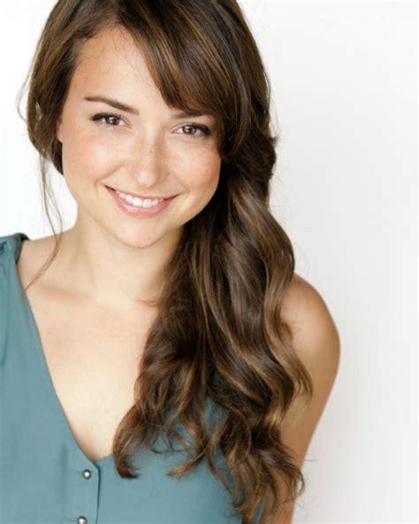 meet milana vayntrub lily from att commercial at t commercial girl google search milana vanbrugh