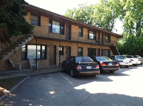 one bedroom apartments in dekalb il apartment for rent in 811 greenbrier rd dekalb il