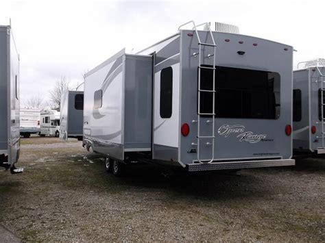 travel trailer with king bed 2017 open range roamer 323rls travel trailer with king bed