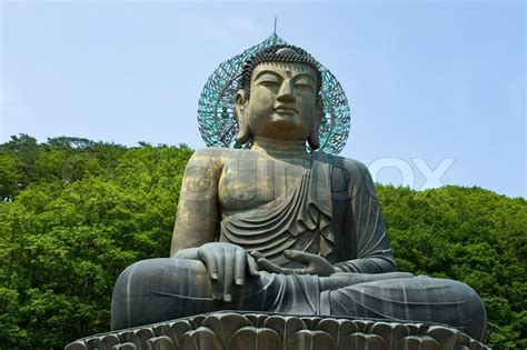 Buddha Statues Home Decor giant statue of buddha in the sinheungsa temple in