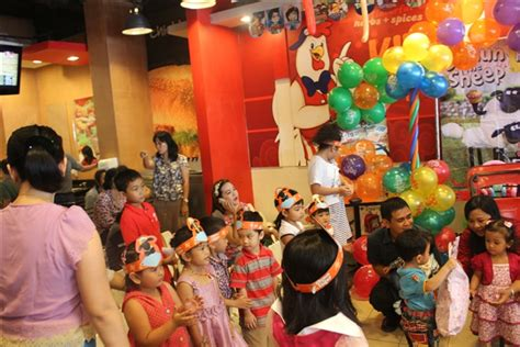 Paket Ulang Tahun Anak Spicy Chicken Ala Hokben Termasuk Nasi Salad acara hut achi 2 tahun kfc megatop borneo cerdas mcb