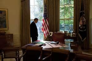 barack obama oval office file barack obama in the oval office 2009 10 jpg