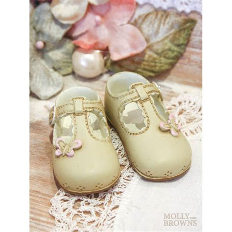 mini baby shoes mini ceramic baby shoes by molly browns