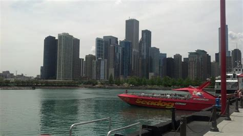 speed boat architecture tour chicago 15 best chicago boat tours the crazy tourist