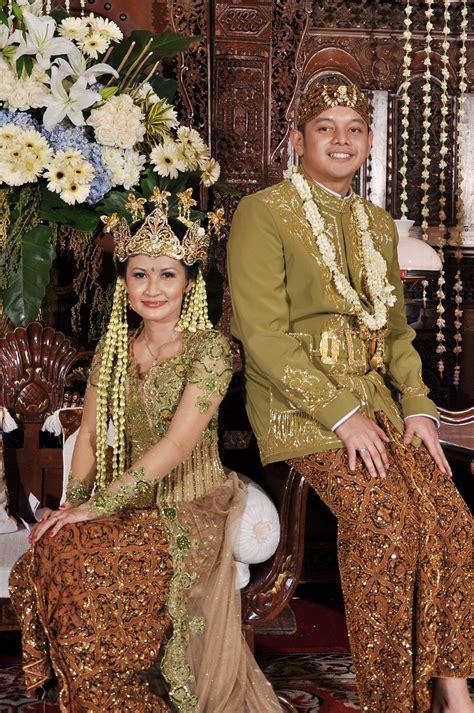 Baju Adat Sunda Kecil pakaian pengantin inezsalon