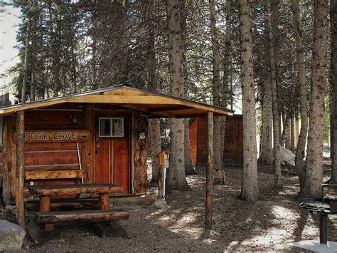 cabin in yellowstone cave cabin cheap accommodationsl yellowstone national