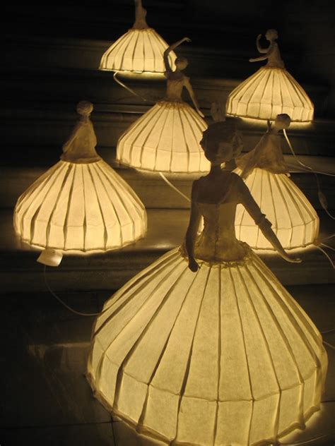 How To Make Paper Mache Lanterns - papier m 226 ch 233 l sculptures8 fubiz media
