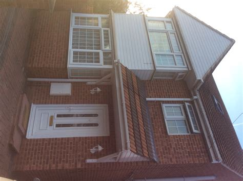 two bedroom house to rent in slough 2 bed house detached to rent uxbridge road slough sl1 1sn