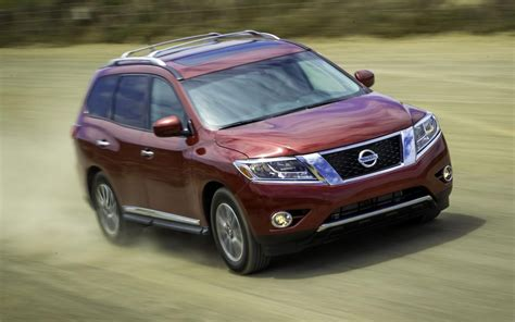 best car for comfort and fuel economy nissan launches reinvented 2013 pathfinder more style