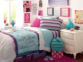 cute bedroom wall ideas for small rooms greenvirals style 40 cute romantic bedroom ideas for couples
