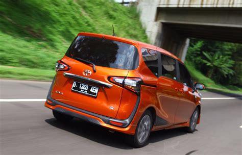 Sienta Orange Menguji Kenyamanan Toyota Sienta Dari Jakarta Bandung