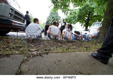 Warrant Search Kansas With Suspects After Serving A Related Search Warrant Stock Photo Royalty