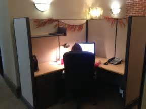 decorate cubicle how to decorate your office cubicle for halloween