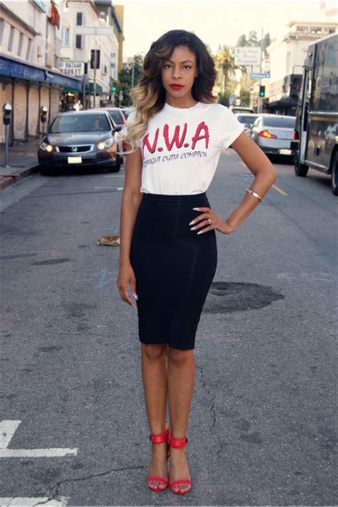 black pencil bebe skirts white nwa outfitters ts