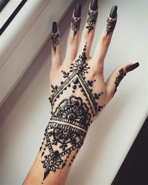 black henna tattoo 90 stunning henna designs to feed your temporary