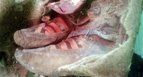 Sepatu Adidas Izzy アルタイ山脈で スニーカー を履いた1500年前のミイラ発見 sputnik 日本