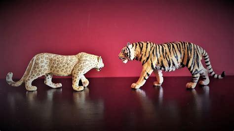 african leopard  wildlife  schleich animal toy blog