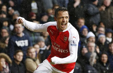 alexis sanchez goal vs spurs tottenham 2 2 arsenal alexis sanchez cancels out harry