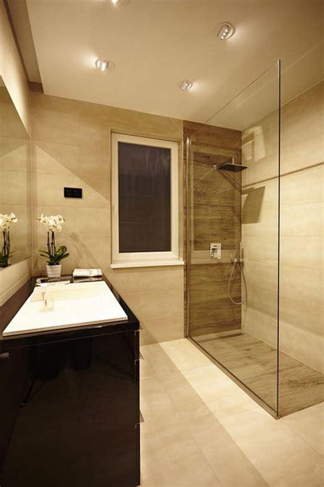 beige and black bathroom ideas inloopdouche badkamer met luxe uitstraling badkamers voorbeelden