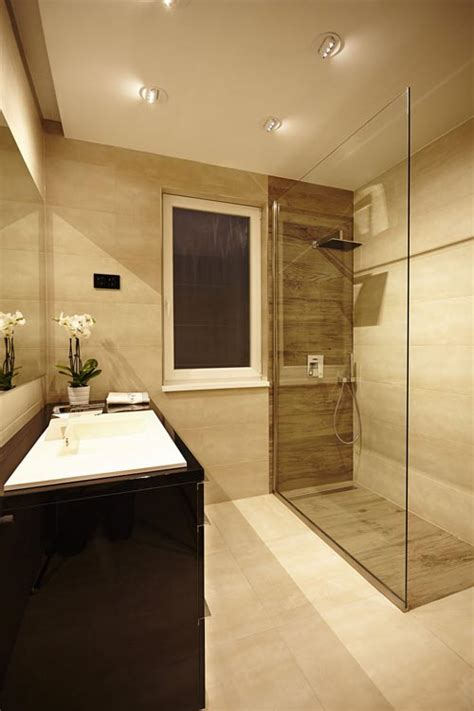 beige and black bathroom ideas inloopdouche badkamer met luxe uitstraling badkamers