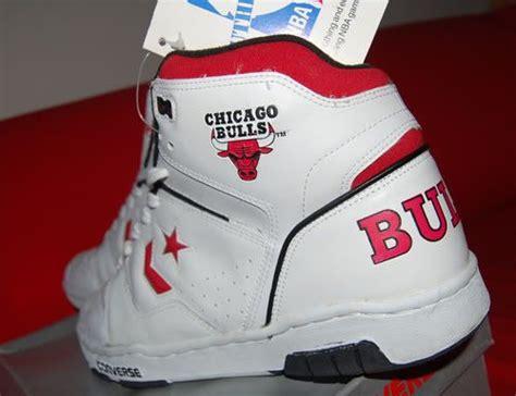 Sepatu Converse All High Top sepatu lagi kelas 1 smp converse bulls hi tops 1990