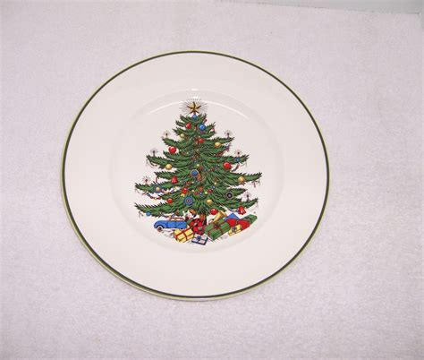 triple a resale 4 cuthbertson christmas tree dinner plates