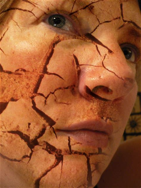 photoshop cs5 tutorial cracked face photo manipulation cracked skin tutorial photo editing