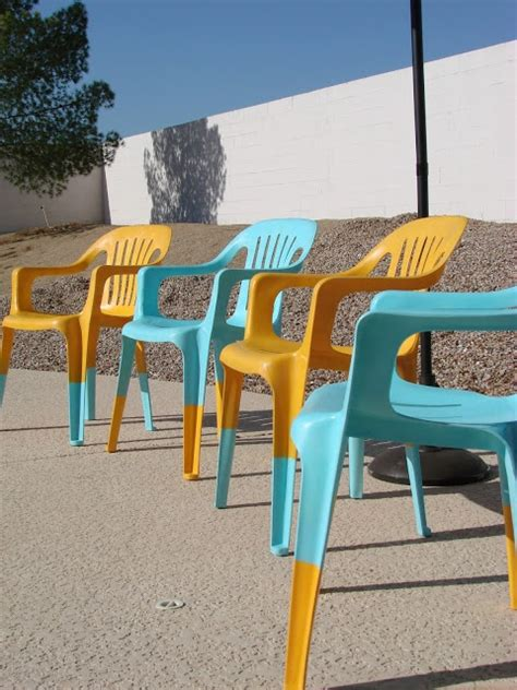 Plastikstuhl Lackieren by 1000 Images About Plastic Chairs On The