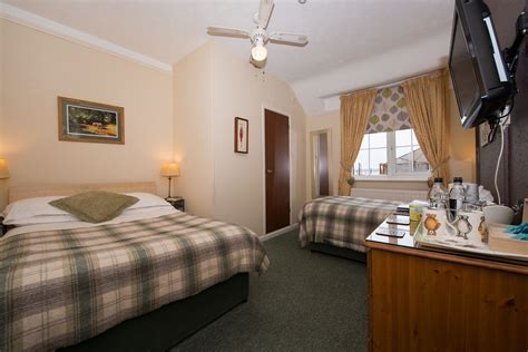 dorset bed and breakfast family room room 6 family en suite room bed single bed