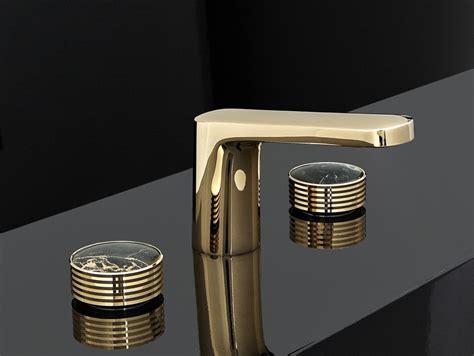 rubinetti oro texture miscelatore per lavabo color oro by fima carlo