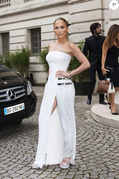 Jlo Conducts Own Fashion Week by Pourquoi A 233 T 233 La Plus En 2014