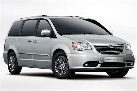 Lancia Minivan New Lancia Grand Voyager Minivan Is A Rebadged Chrysler