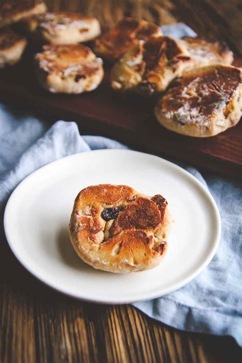 fruit rounds fruit and nut muesli bread rounds recipe sweetphi