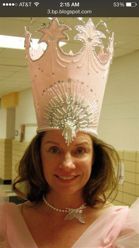 glinda crown make out of cardstock to use for bow hat