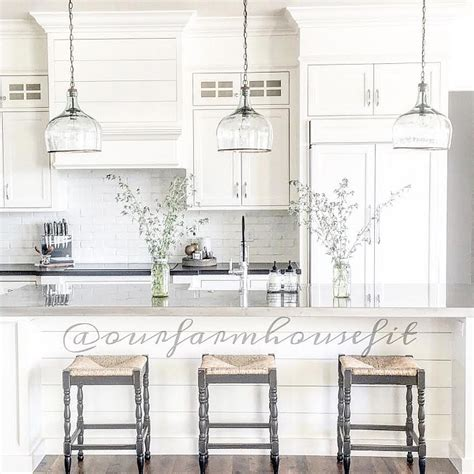 Farmhouse Kitchen Island Lighting Beautiful Homes Of Instagram Home Bunch Interior Design Ideas