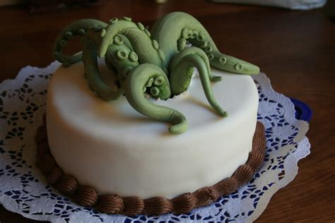 geek cake friday  lovecraftian cthulhu cakes kitchen overlord