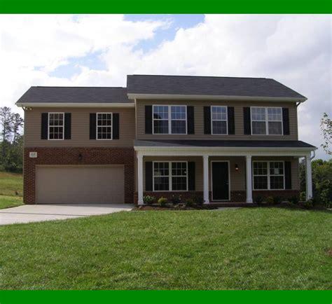 exterior paint colors for light brick homes