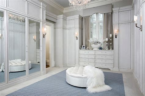 Closets With Mirrored Doors by Modern Spaces With Mirrored Closet Doors