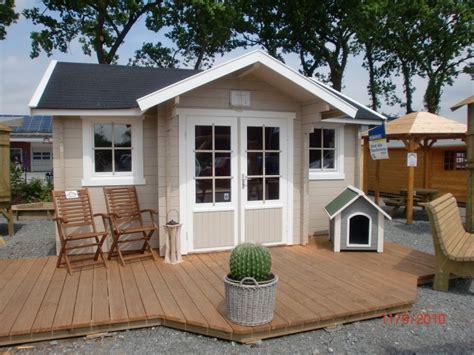 veranda vorbau terrasse mit holzdielen bauen das beste aus wohndesign